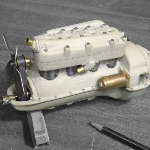 Motor en epoxi terminado. Vista derecha - Epoxy engine finished. Right view