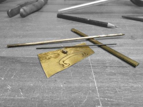Bronce y piezas de metal para hacer el freno de mano - Brass and metal pieces for the handbrake
