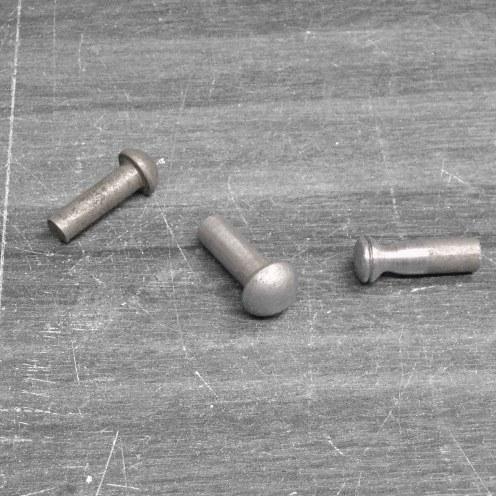 Remaches de aluminio para hacer garganta del radiador - Aluminum rivets to make radiator neck and cap