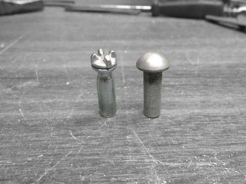 Garganta y tapa del radiador terminados - Radiator neck and cap finished
