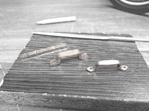 Manijas del capot en alumino. Aluminium hood handles